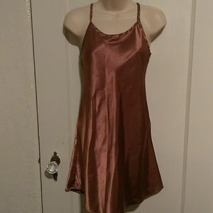 Gilligan & O'Malley bronze color night gown S